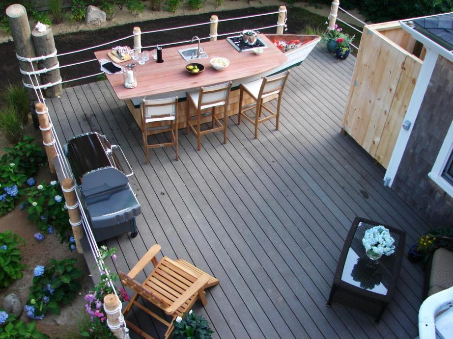 DIND309_aerial-deck-table_s4x3.jpg.rend.hgtvcom.1280.960