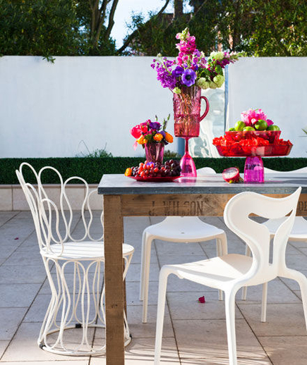 mixmatch-outdoor-dining_300